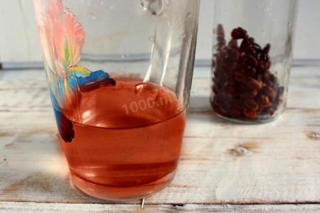 Рецепт: Настойка кедровая на самогоне (18+)